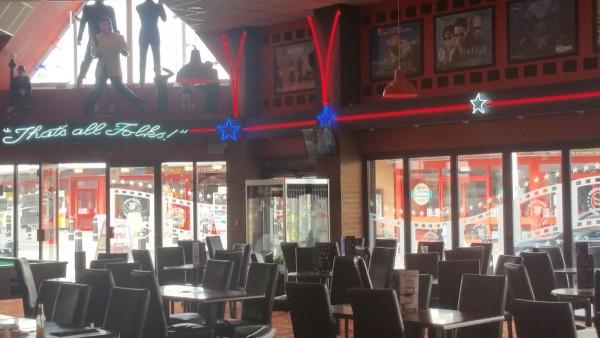 image 70 Hollywood Bar & Diner